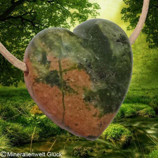 Unakit Herz gebohrt, Mineralien, Heilsteine
